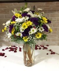 Vazoda Kır Çiçek