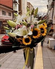 Ay Çiçekli Lilyum Buketi